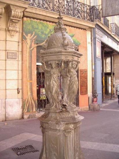 Marseille, rue des 3  mages